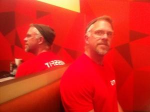 Steve at DK's in SE Porltand having a Paleo burger! Go DICKS Kitchen!